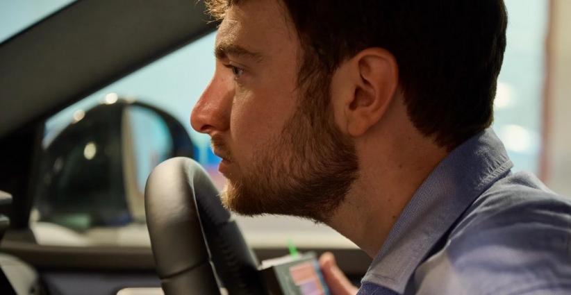 Perusahaan Mobil Ini Sengaja Bayar Khusus Ahli Mencium Bau Mobil