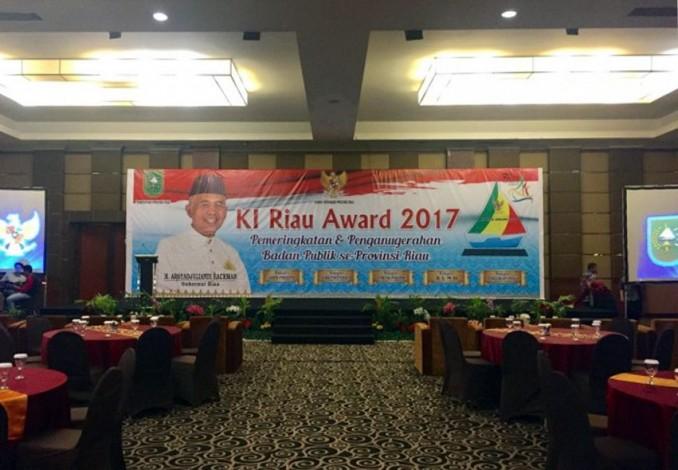 KI Riau Taja  Anugerah Keterbukaan Informasi Publik 2017