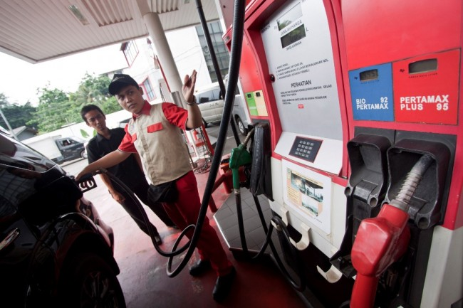 Tahun Depan, Harga BBM Premium Naik Rp300