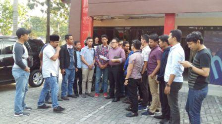 Gerah Dengan Unggahan Ujaran Kebencian Eka Oktaviyani, Mahasiswa UIR Lapor ke Polda Riau