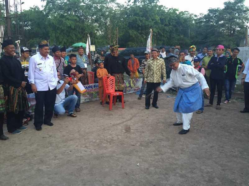 Bakal Cagubri Syamsurizal Hadiri Penutupan Turnamen Gasing dan Layangan di Siak