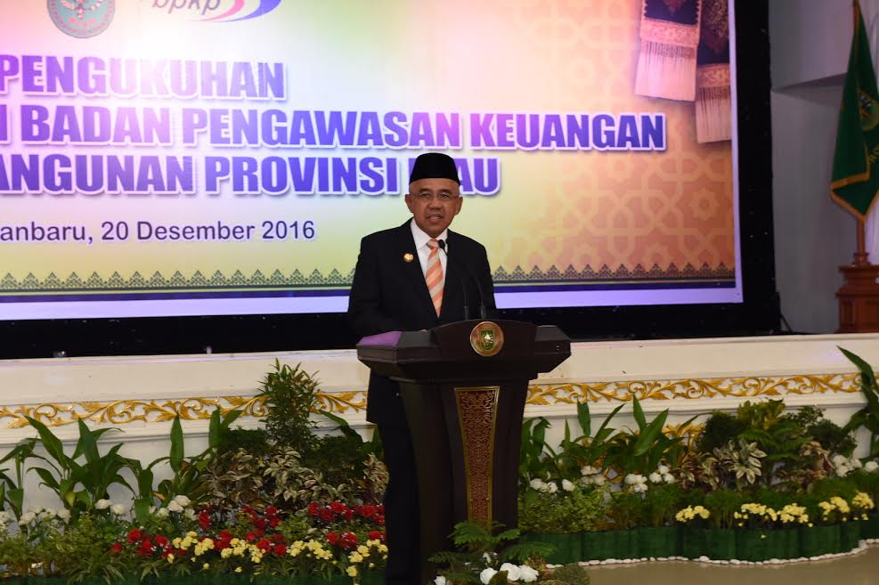 Gubri Hadiri Pelantikan Ketua BPKP Provinsi Riau