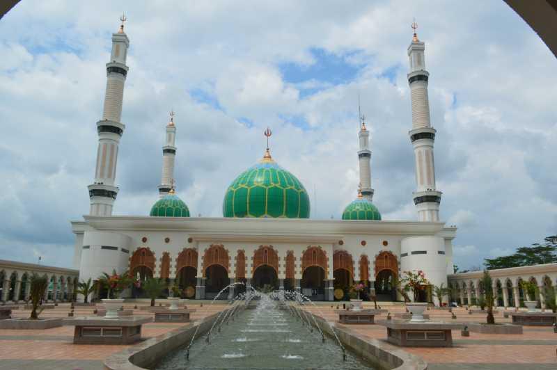 Libur Panjang, Pengunjung Masjid Agung Pasirpengaraian Capai Ribuan Orang