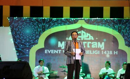 Bupati Inhil HM Wardan Ikut Berpartisipasi Baca Puisi