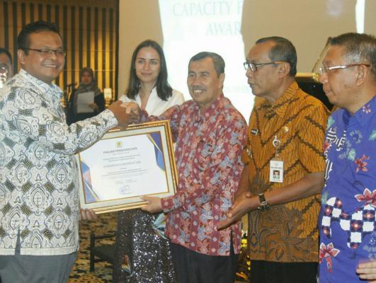 Siak Raih Penghargaan Pelayanan Perizinan Terbaik Nasional