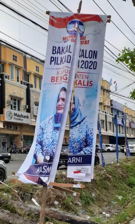 Atribut Pilkada Partai Demokrat Riau Dirusak