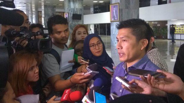 Galang Tanda Tangan, Senator DPD Ingin Penahanan Irman Ditangguhkan