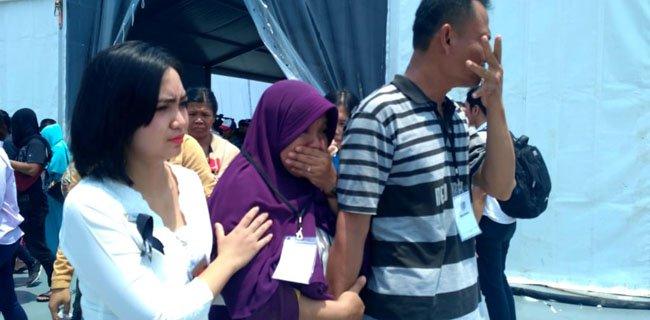 Keluarga Histeris Melihat Lokasi Jatuhnya JT-610, Nama Korban Terus Dipanggil