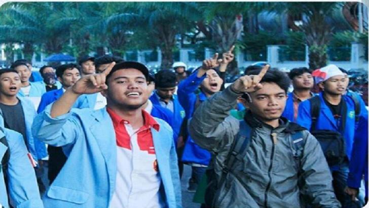 Mahasiswa Universitas Riau Gelar Unjuk Rasa Tuntut Penuntasan Kasus Tugu RTH