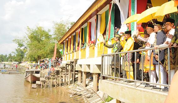 Potang Mogang di Pelalawan Dihadiri Gubri Arsyadjuliandi Rachman