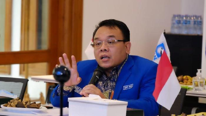 Anggota DPR soal PPKM Level 4: Ganti Nama Tak Buat Orang Makin Paham-Patuh