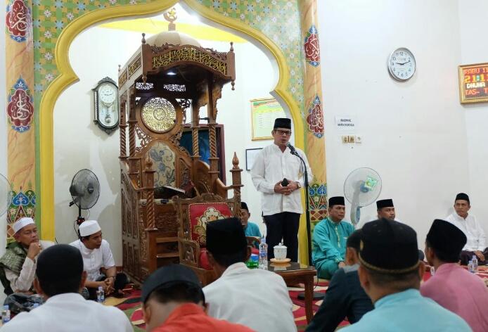 Diwakili Kabag Kesra, Pj Bupati Inhil Hadiri Isra' Mi'raj Di Masjid Miftahul Jannah, Tembilahan