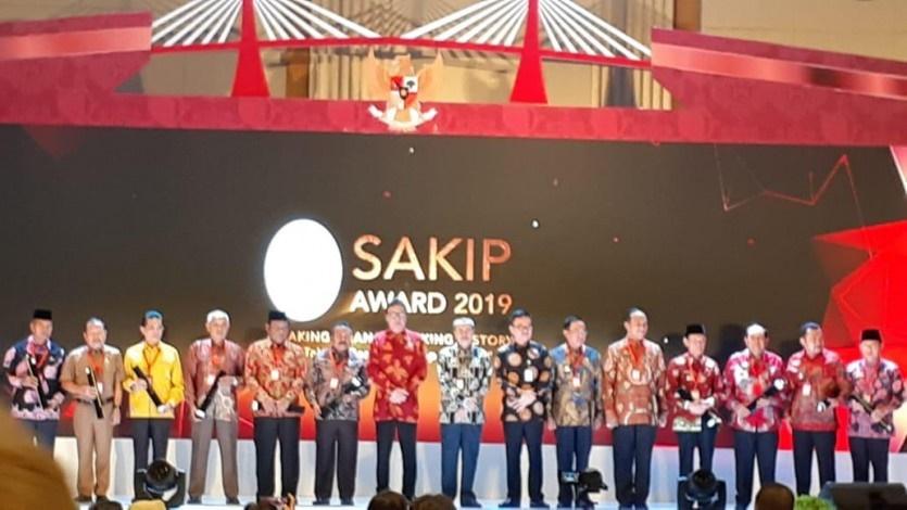 Gubernur Riau Terima Penghargaan SAKIP dari Menpan RB