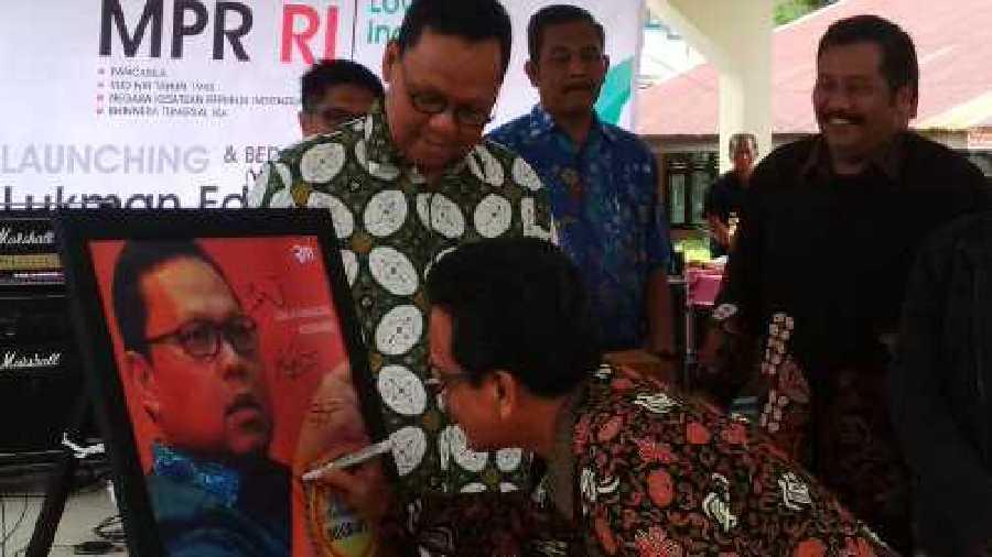 Budayawan Riau Yusmar Yusuf akan Bedah Buku Biografi Lukman Edy