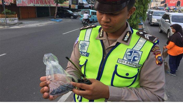 Begini Banyaknya Paku dan Baut yang Dikumpulkan Polisi di Jalan Tuanku Tambusai