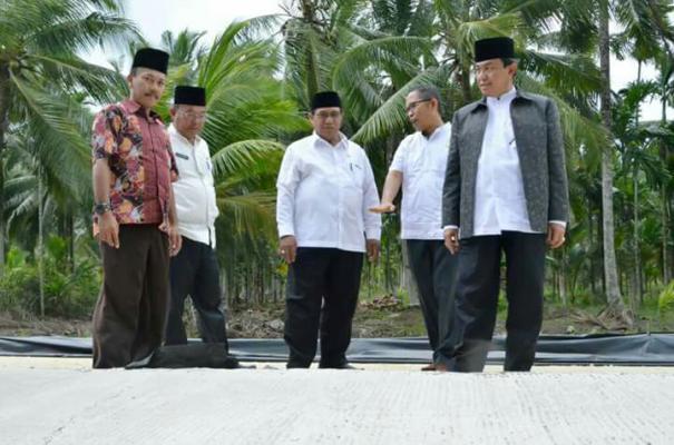 Bupati Inhil HM Wardan Tinjau Pembangunan Infrastruktur di Kecamatan Gaung Anak Serka
