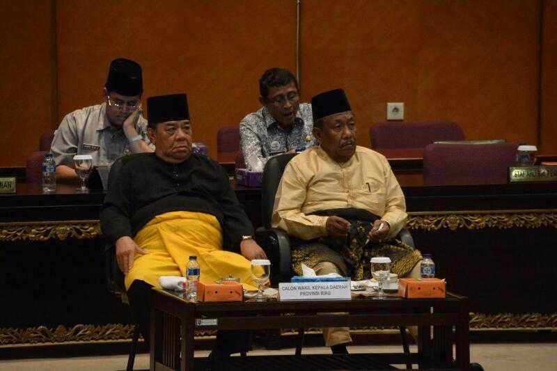 Rapat Paripurna Penyampaian Program Kerja Dua Calon Wakil Gubernur Riau