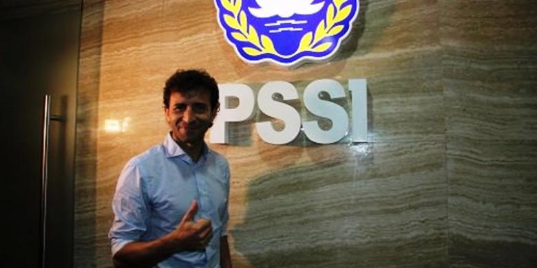 Luis Milla Betah di Indonesia