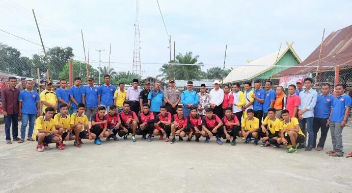 Meriahkan HUT RI ke 73 di Kemuning, Sekda Inhil Buka Turnamen di Tiga Desa