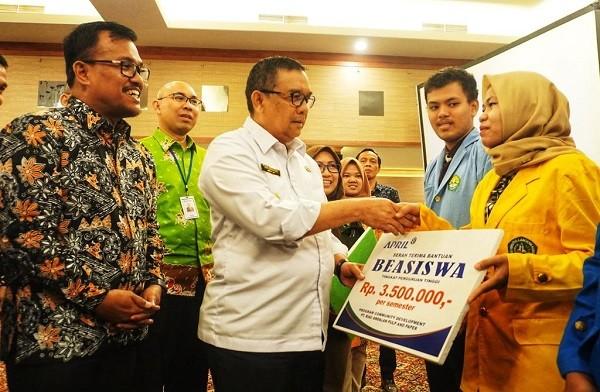RAPP Bagi Beasiswa Untuk Mahasiswa dan Siswa SMA Se-Provinsi Riau