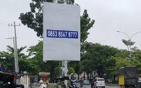 Satpol Bidik 10 Tiang Reklame Ilegal