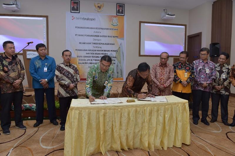 Bank Riau Kepri Teken MoU Dengan Kejati Kepri Bidang Datun, Juga Bicara Soal Fungsi JPN