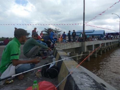 Dibuka Plh Asisten III Setdakab Inhil, Festival Mancing Udang Galah Diikuti Ratusan Peserta