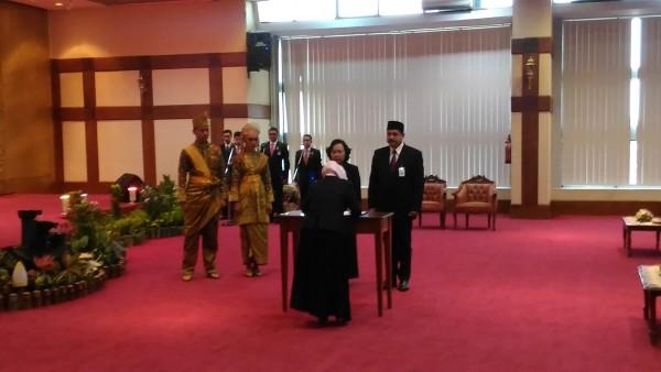 Siti Astiyah Resmi Dilantik Jadi Kepala BI Riau