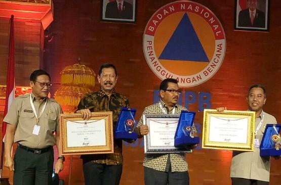 BPBD Riau Dapat PenghargaanTerbaik  Penanggulangan Karhutla