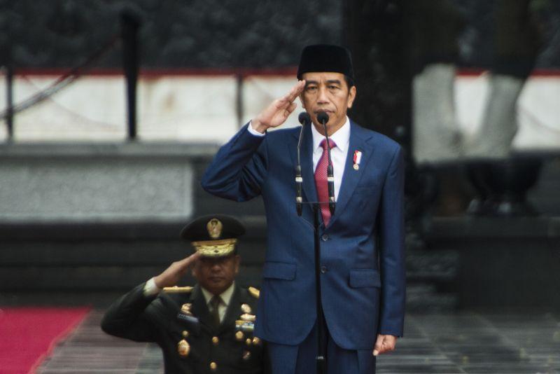 Jokowi Pimpin Upacara HUT TNI ke-72