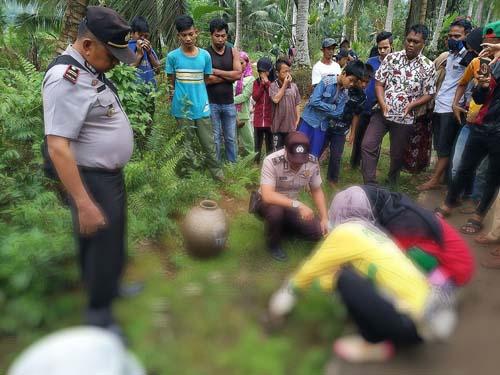 Warga Temukan Mayat Bayi Membusuk di Gaung