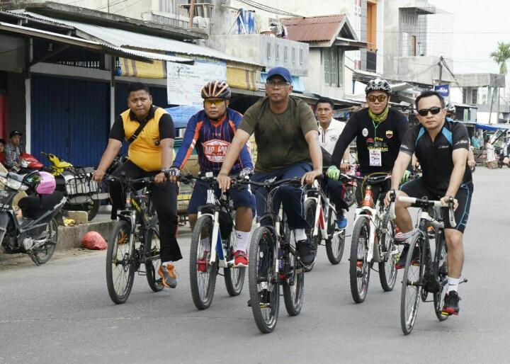 Jalin Silaturahmi, Pjs Bupati Inhil Ikut Sepeda Santai