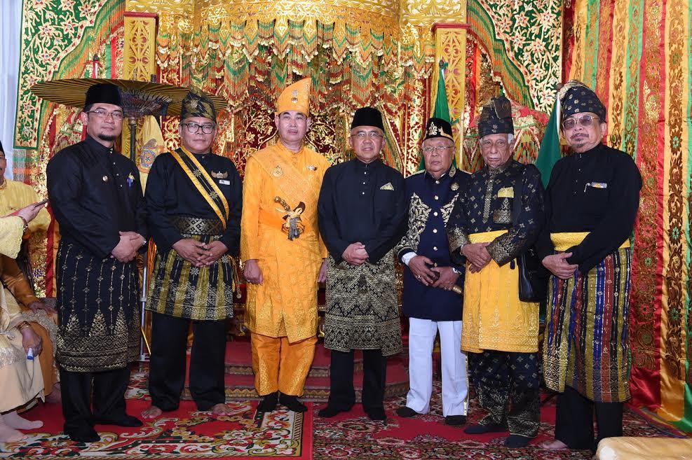 Gubri Hadiri Pengukuhan Pewaris Kerajaan Rantau Kampar Kiri