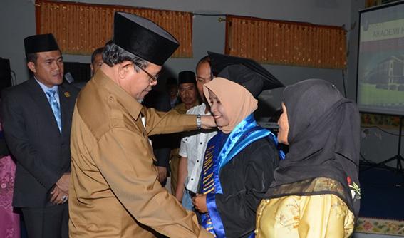 78 Mahasiswa AKN Bengkalis Diwisuda Perdana