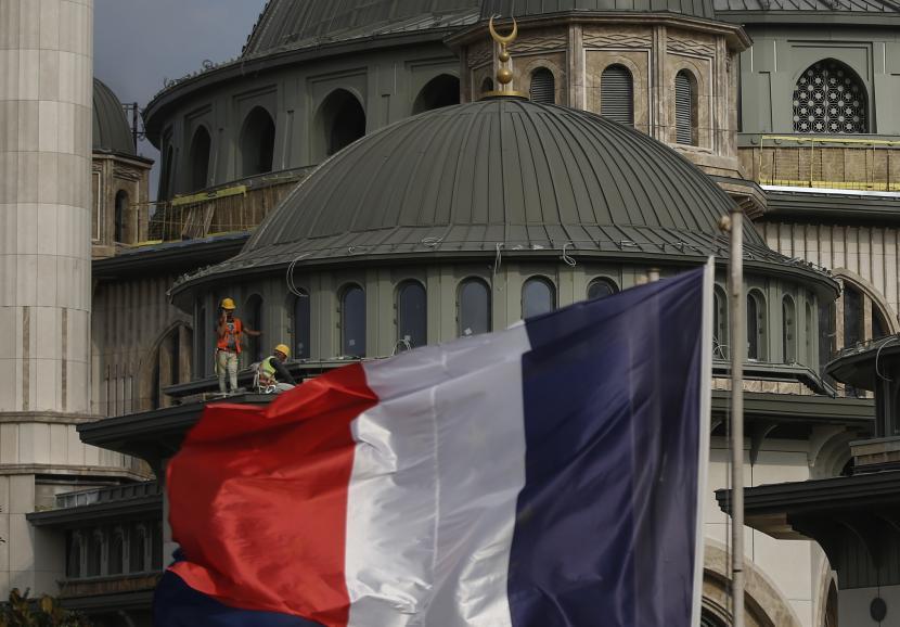 Prancis Panggil Duta Besar dari AS dan Australia