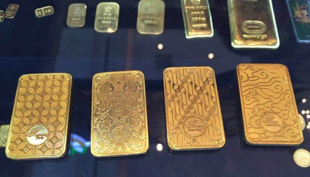Harga Emas Menguat Sejalan dengan Pelemahan Dolar