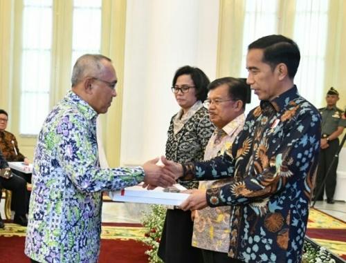 Gubernur Riau Terima DIPA Tahun 2018 Sebesar Rp21,91 Triliun