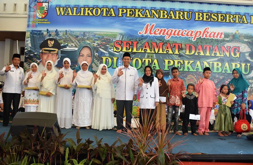 Walikota Pekanbaru DR.H.Firdaus,ST,MT Silahturahmi Dengan Pengurus BKMT