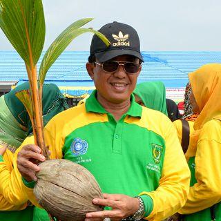 Bupati Inhil Minta Universitas Riau Lakukan Riset Perkelapaan di Inhil