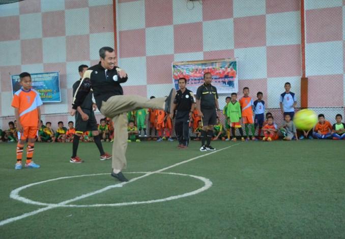 Syamsuar Buka Turnamen Futsal Siak Lanjut Cup