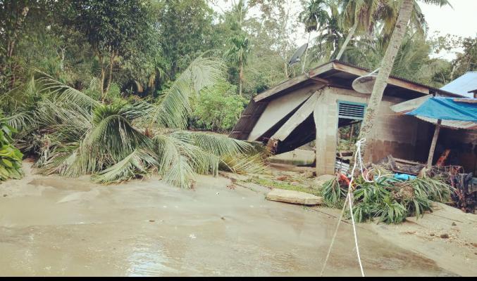 Banjir Bandang Landa Desa Petapahan, Puiuhan Rumah Roboh