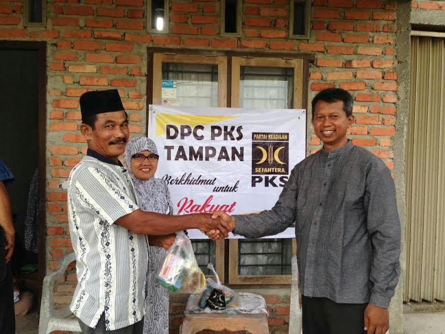 DPC PKS Gelar Program Khidmat di Masyarakat