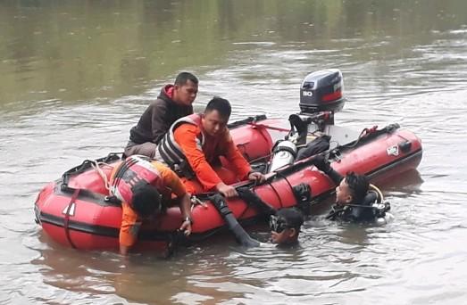Basarnas Kerahkan Penyelam, Cari Pelajar Rohul Hilang di Sungai