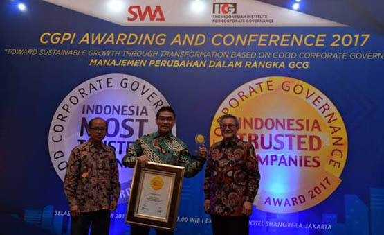 Bank Riau Kepri Raih The Trusted Companies Award di Ajang Indonesia Most Trusted Companies Award 201