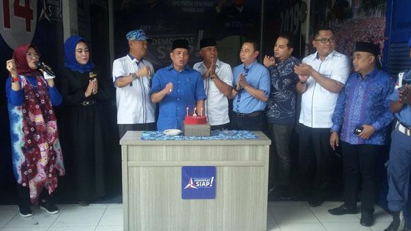 HUT 17, Demokrat Riau Syukuran Bersama Anak Yatim