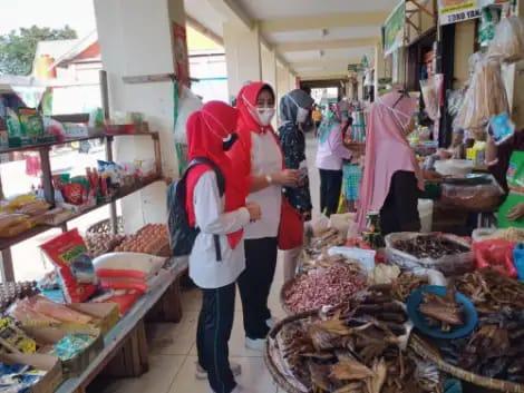 Kesbangpol Riau Sosialisasi 3 M di Pasar Limapuluh