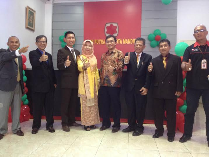 Grand Opening PT BPR Putra Mahkota Mandiri, Siap Melayani Sepenuh Hati