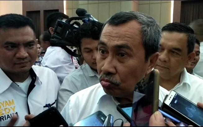 Riau Darurat Pencemaran Udara, Gubri Berharap Hujan Segera Turun