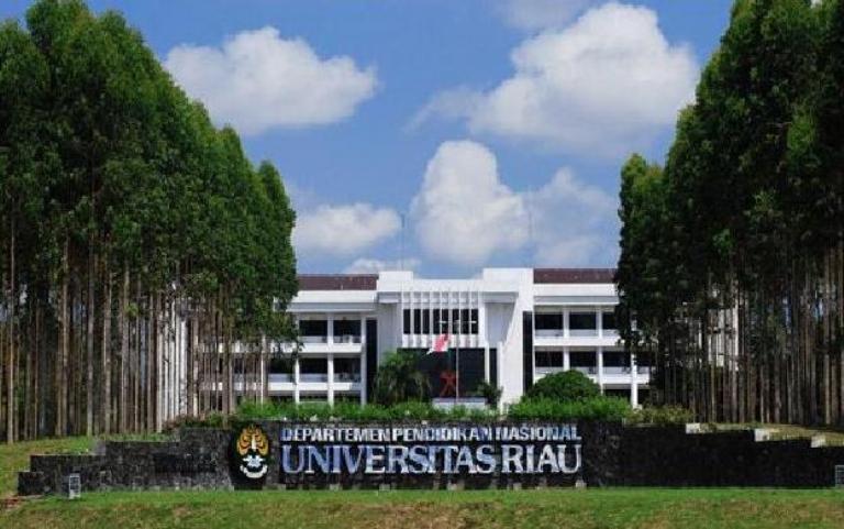 UR Peringkat ke-9 Perguruan Tinggi Terbaik se-Indonesia