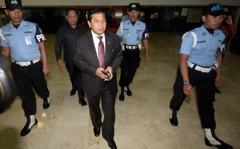 Tak Kunjung Menahan Setya Novanto, MAKI Gugat KPK